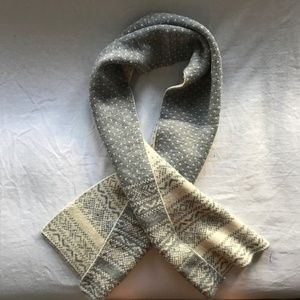 Old Navy Reversible Fair Isle Scarf | Cream & Gray